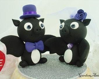 Custom Wedding Cake Topper--Love Bat Couple with Circle Clear Base - for Halloween Theme Wedding