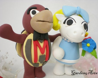 Custom Wedding Cake Topper--Maryland & UNC Mascot Love Couple with Circle Clear Base