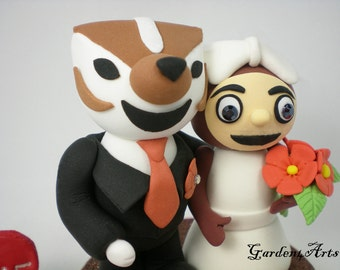 Custom Wedding Cake Topper--Wisconsin & Ohio - Unique College Mascot Love Couple with Circle Clear Base