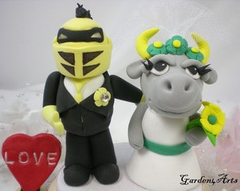 Custom Wedding Cake Topper--UCF Knight & USF Bull - Unique College Mascot Love Couple with circle clear base