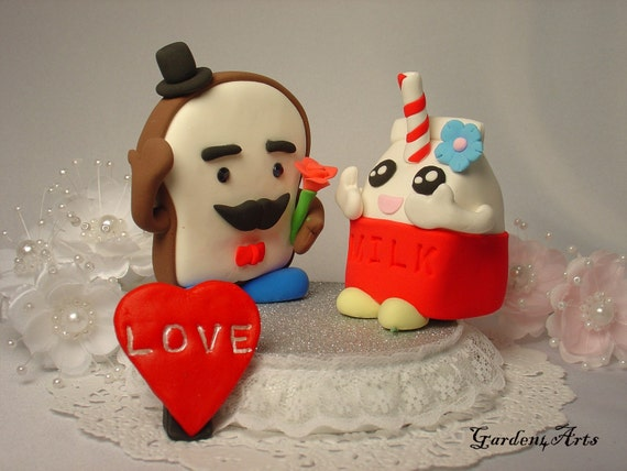 Customise Breakfast Love Couple with Beautiful Wooden Stand - Special Design