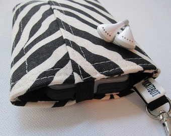 Nerd Herder gadget wallet in Zebra for iPod, Android, iPhone, MP3, metronome, camera, earbuds, SD cards, USB, guitar picks, IDs