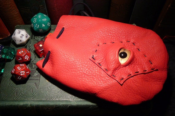 Dragon eye dice bag (Red leather with Gold eye)