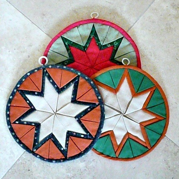 BEAUTIFUL 'Star' Pattern Hand-Quilted Pot Holders, Colorful, Very Decorative, Thick and Useful, Handmade, 1960s