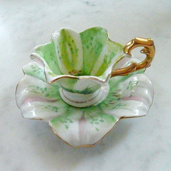 FAIRY PRINCESS Miniature Tea Cup & Saucer, Gorgeous Lily, So Precious, with Gold Trim, for Collectors or Dainty Little Girls