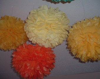 Tissue paper poms / Country Wedding decorations / Baby shower / Anniversary / Bridal party / Party decorations / Set of 10