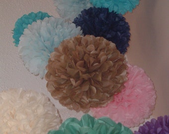 Set of 10 Tissue paper pom poms. - Party decorations, paper pom pom, bommel