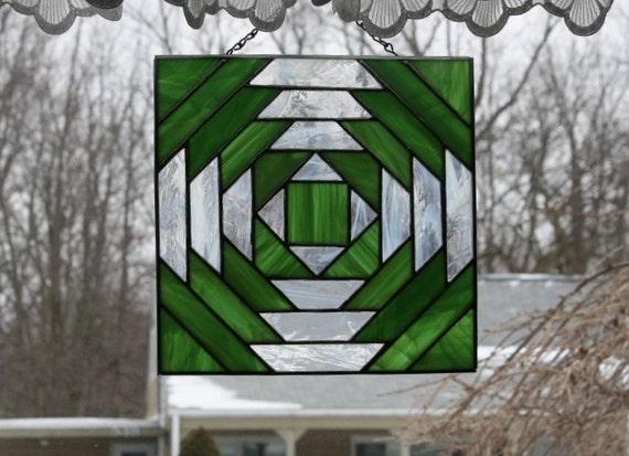Suncatcher Stained Glass Pineapple Quilt Block
