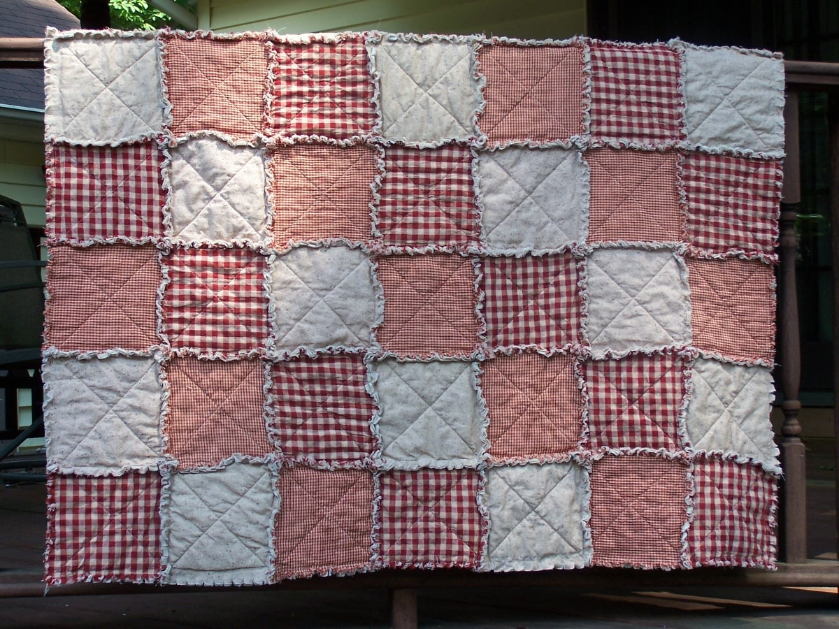Red Rag Quilt In Lap Or Small Throw Size Homespun Primitive