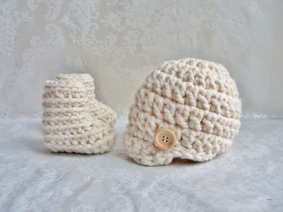 Crochet Hat and Booties, Crochet Hat with Wood Button, Chunky Hat