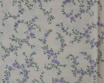 Vintage Cotton Fabric, 1/4 Yard, 1980s, Purple/Lavender Floral on Peach, Flowers, Vine, Quilt, Quilting, Sewing, Home Decor, Gift for Her