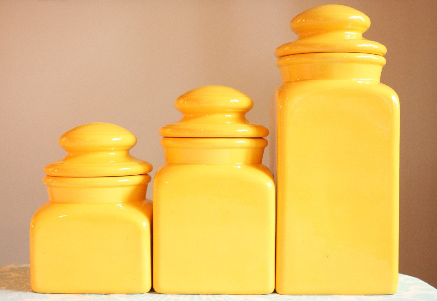 Vintage sunny yellow canister set 1970s ceramic by magiebelle for Kitchen set yellow