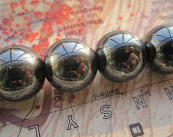 2 str --Black Hematite 14mm Round Ball beads