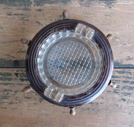 vintage c. 1940s ship's wheel ashtray