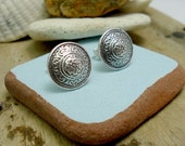 Medieval pattern studs in sterling silver. Casting in sand. Vintage button replicas