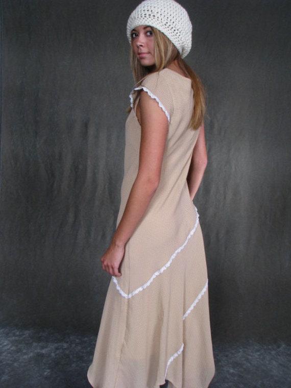 VINTAGE 1960's Hippie Lace Champagne Handkerchief Hem Dress