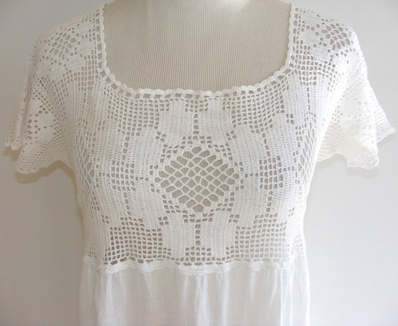 Vintage Edwardian crochet nightgown. Long, white cotton, short cap sleeves. Boho Prairie Wedding dress. Excellent condition