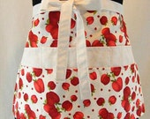Red Apples Apron With Pockets and Key Clasp Red White