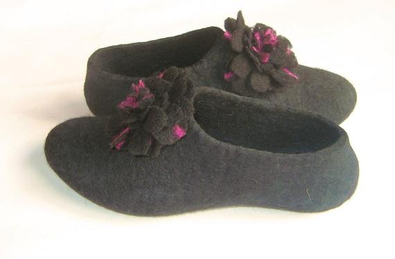Pom Pom Felt Slipper, Black Wool Slippers - Womens Slippers - House Shoes - Mothers Day Gift - Rubber Soles - Handmade Slippers