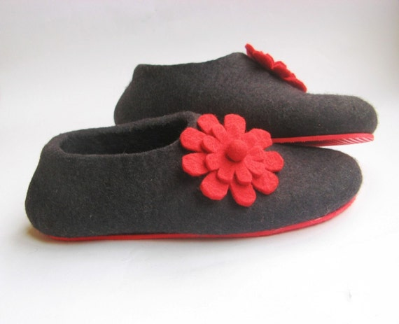 Bloom - Women's Felted Wool Slippers  Rubber Soled - Mix Yourself - Gifts For Her - Felted House Shoes - Winter Fashion - 100% Wool Slippers