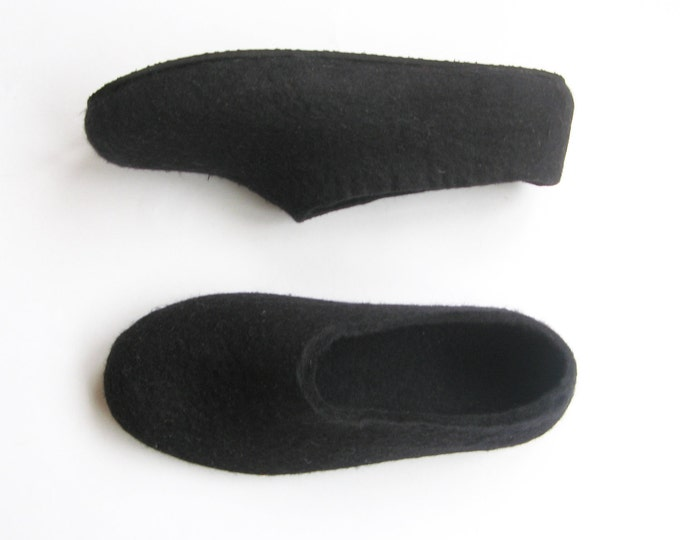 Fathers Day Ankle Wool Black Boots, Wool Shoes, Dad Gifts, Mens Shoes, Felted Wool Slippers, Short Boots, Rubber Soles, Travel Wool Shoes