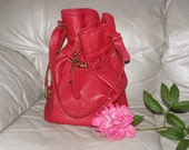 Absolutely gorgeous vintage leather shoulder bag one of a kind handmade, like new, big
