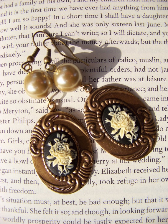 Flowers for a pretty lady - brass and pearl flower cameo earrings