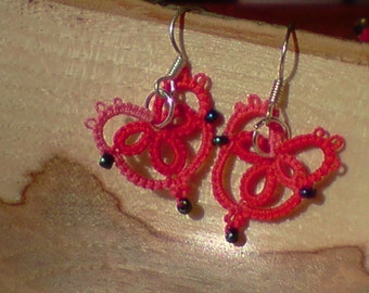 Tatted lace heart earringsbeaded red Simple love