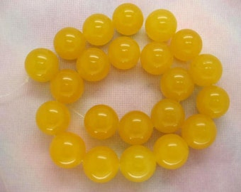 15.5 Inch Strand Gorgeous Yellow Jade Smooth Round Beads 18mm