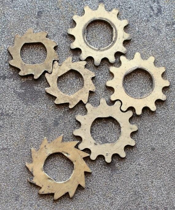 Vintage clock brass gears -- set of 6 -- D3