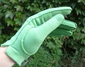 GLOVES - KELLY GREEN short gloves - 1960's - made by Wear Right - Western Germany