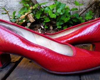 The 1960's Red Low Heel DeLiso Flats
