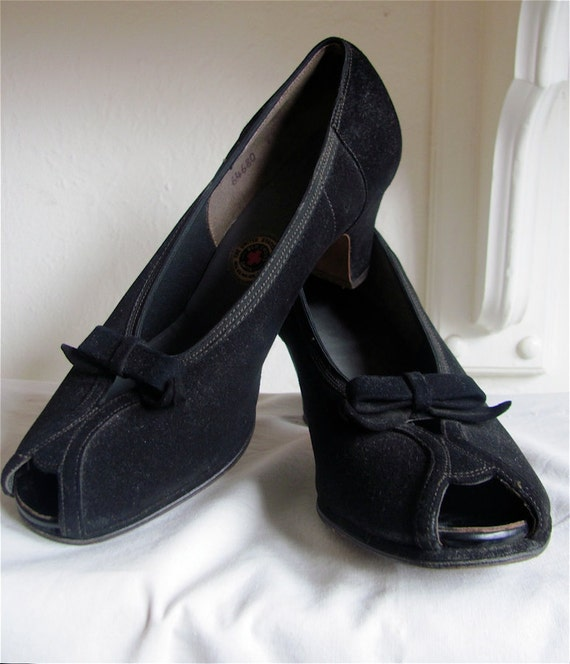 The 1940's Red Cross Black Suede Peep-toe Pump