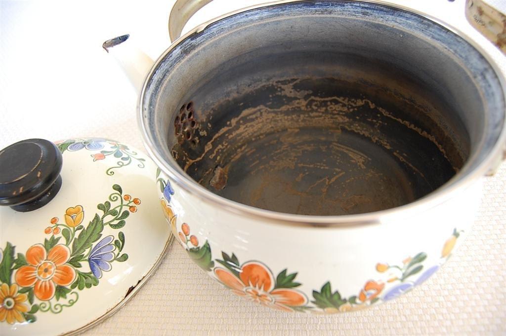 Vintage Gailstyn Sutton Enamelware Tea Kettle Circa 1981