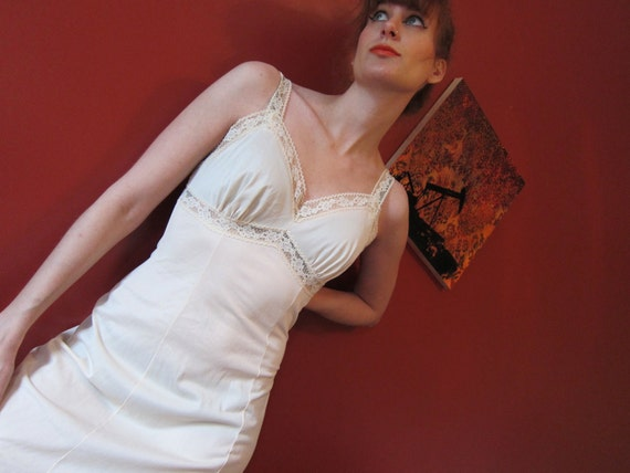 full slip wiggle 34 TALL 1950s slinky nude Lane Bryant
