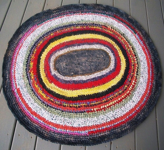 Oval Braided Rag Rug Measuring 36 X 43 Inches By