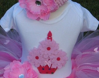 CUPCAKE Birthday TUTU Set With 3D CUPCAKE Shirt ------- All Sizes 6 9 12 18 24 Months 2T 3T 4T --------Birthday, Photo, Holidays, Dress Up