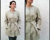 1950's. leather. cream. waist tie. plus size. vintage coat. Sz l-xl.
