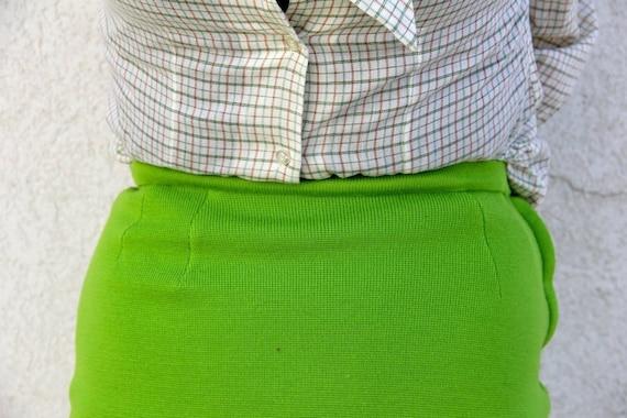 1960's. spring green. wool. pencil skirt. mad men. Sz s/m.