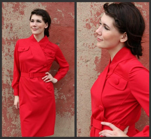 1960's. wrap dress. wiggle dress. large buttons. mad men. Sz m-xl.