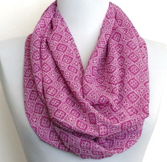 Infinity Scarf in Lilac and White Chiffon, Loop Scarf, Eternity Scarf, Circle Scarf