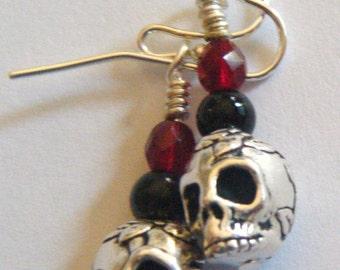 Silver rose skull earrings - short
