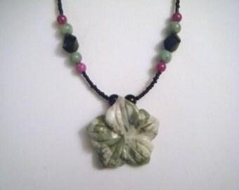 Violet and jade flower necklace