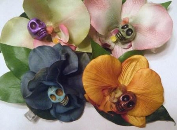 Orchid clip with skull (assorted colors)