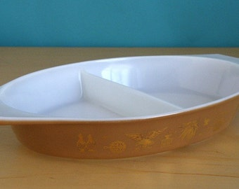 Pyrex Early American Divided Vegetable Dish