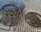 10 pcs of Antique Bronze Filigree Butterfly Round Charms  35mm   A740