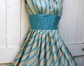 Vintage Dress / 1950's Dress / Aqua Blue Dress / 1950's Full Skirt Dress / Easter Dress