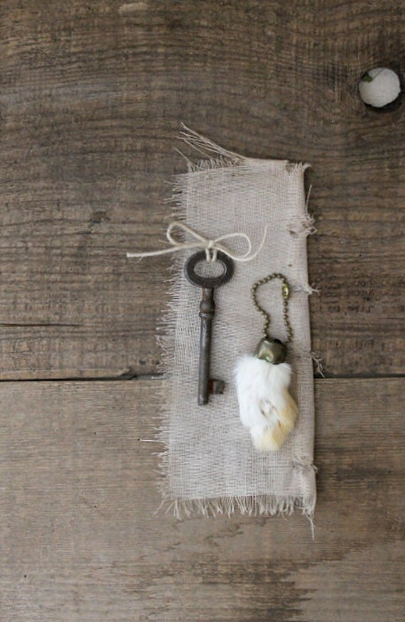 the little things no.2- rabbits foot and skeleton key