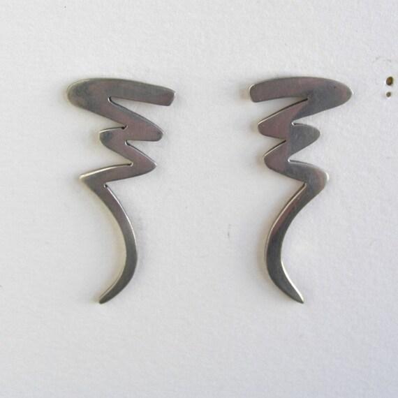 Vintage Sterling Silver 925 Pierced Earrings - nice modern shape