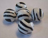 Zebra Black and White Round Acrylic Lucite Beads